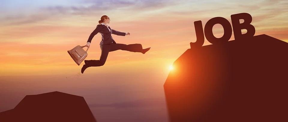 Comment réussir la création d'un CV en ligne ?