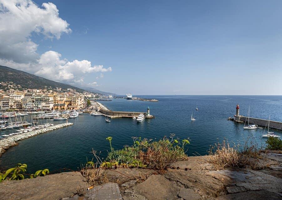 La Corse, la montagne comme le bord de mer